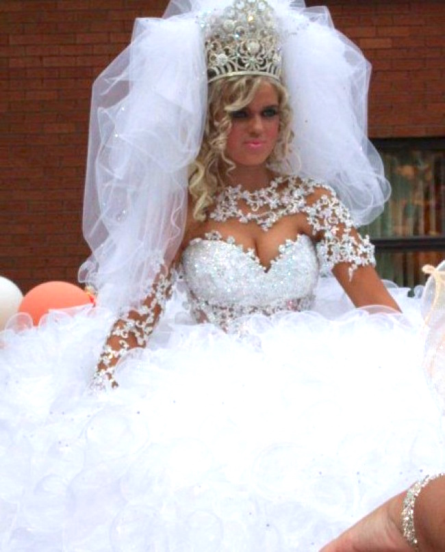 Fat Ugly Wedding Dress: 25 Epic Embarrassing Wedding Moments